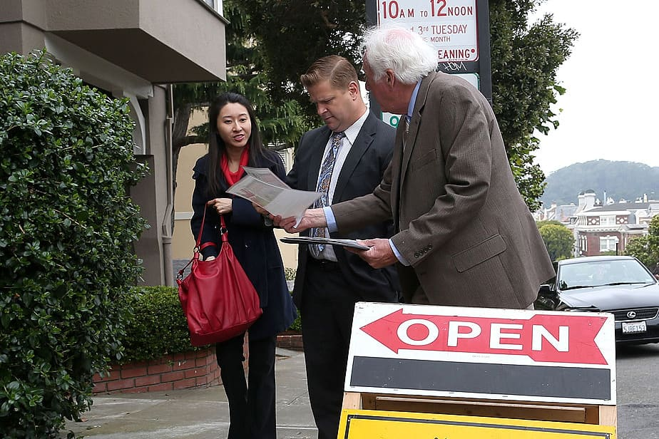 Chinese middle class buying up American residential real estate