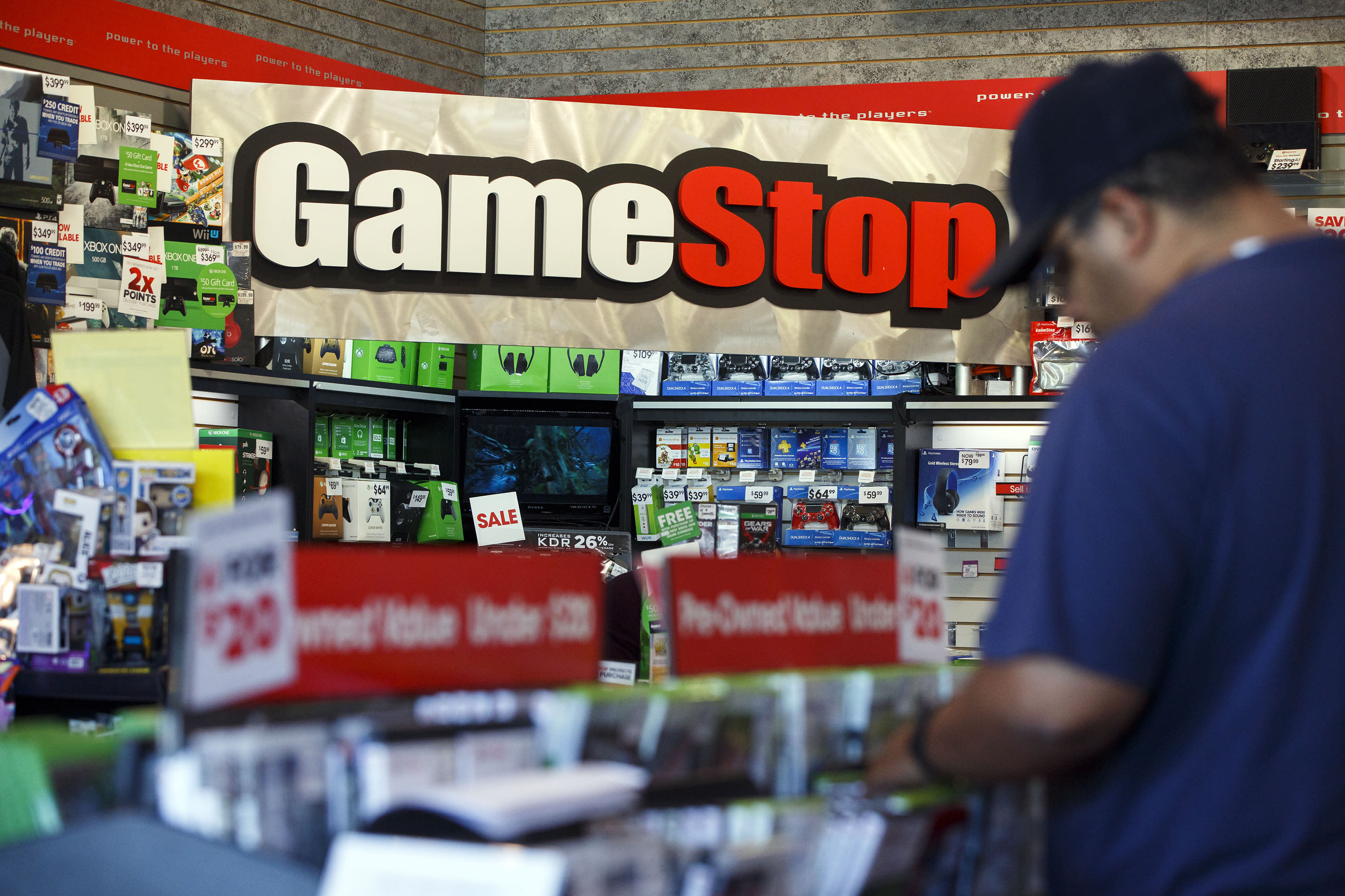 GameStop to close up to 200 stores by year's end