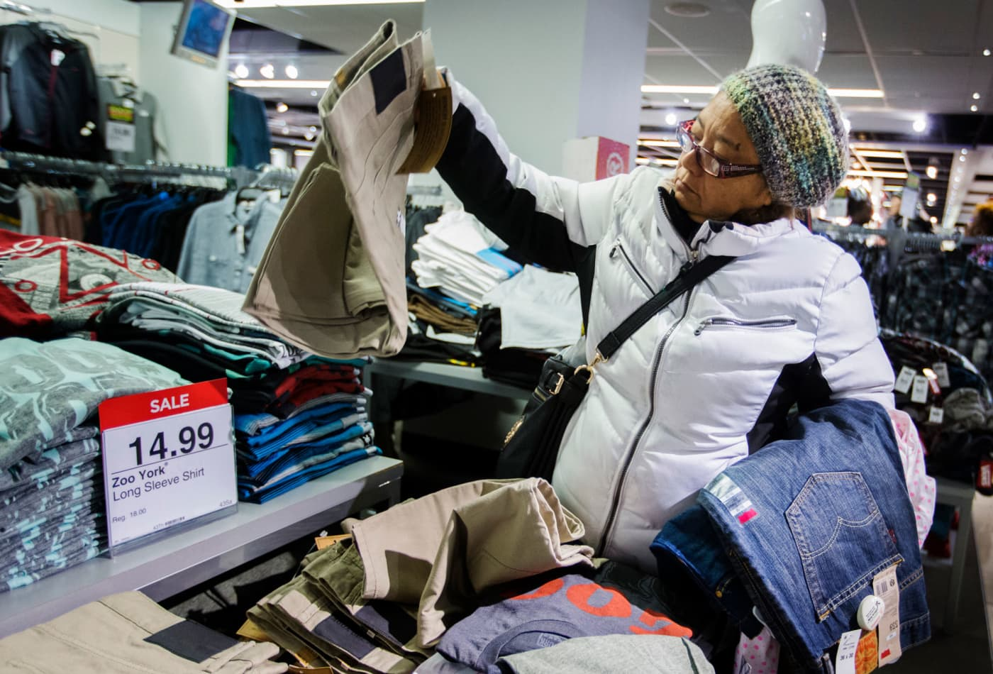 US retail sales climb in December, and November sales were revised up