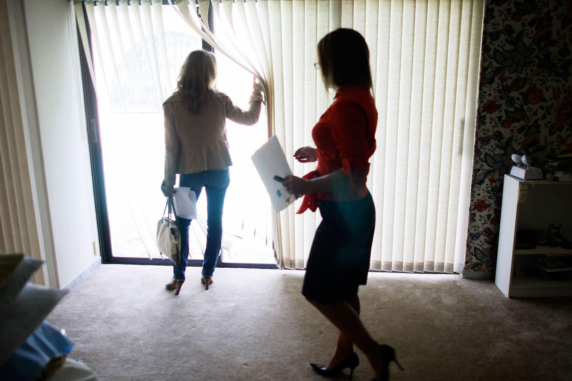 Homebuyers face far fewer bidding wars as the housing market cools off