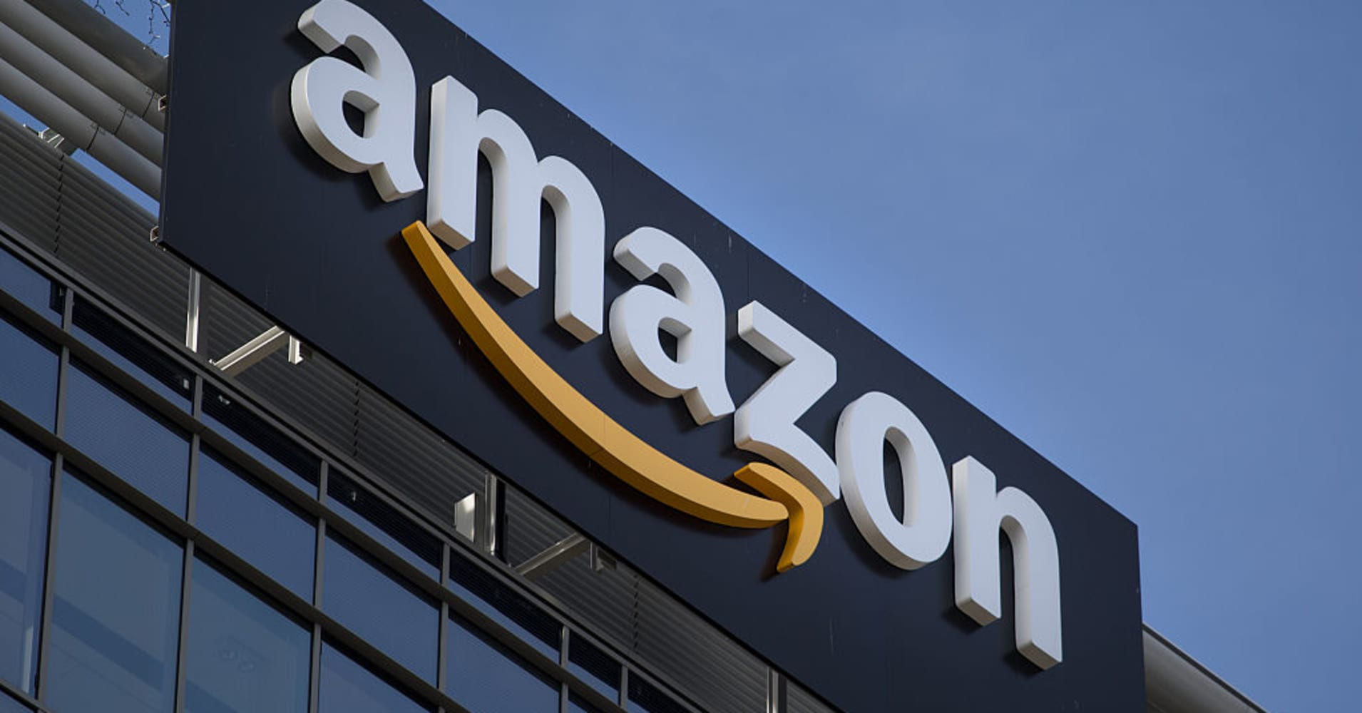 An analyst explains why he says Amazon's stock will hit $3,000 in a few  years