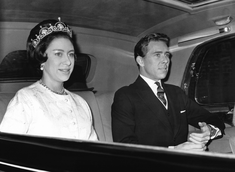 Lord Snowdon Husband Of Britain S Late Princess Margaret Dies