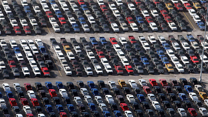 Edmunds warns of a tough 2019 for US auto industry as sales slide for second time since Great Recession and profits shrink
