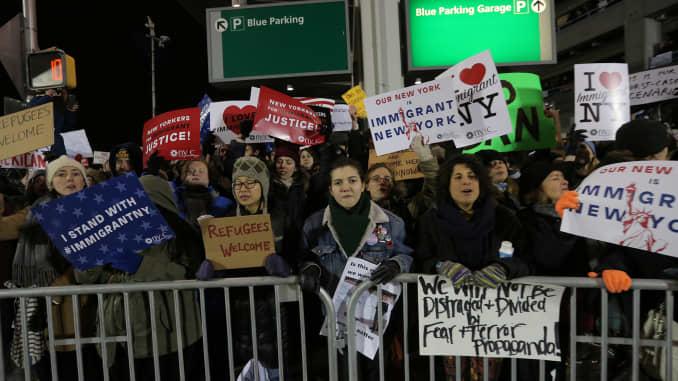 Visa ban confusion: US embassy contradicts UK government