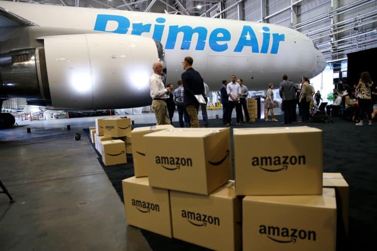 AP: Amazon Prime Air plane 160804