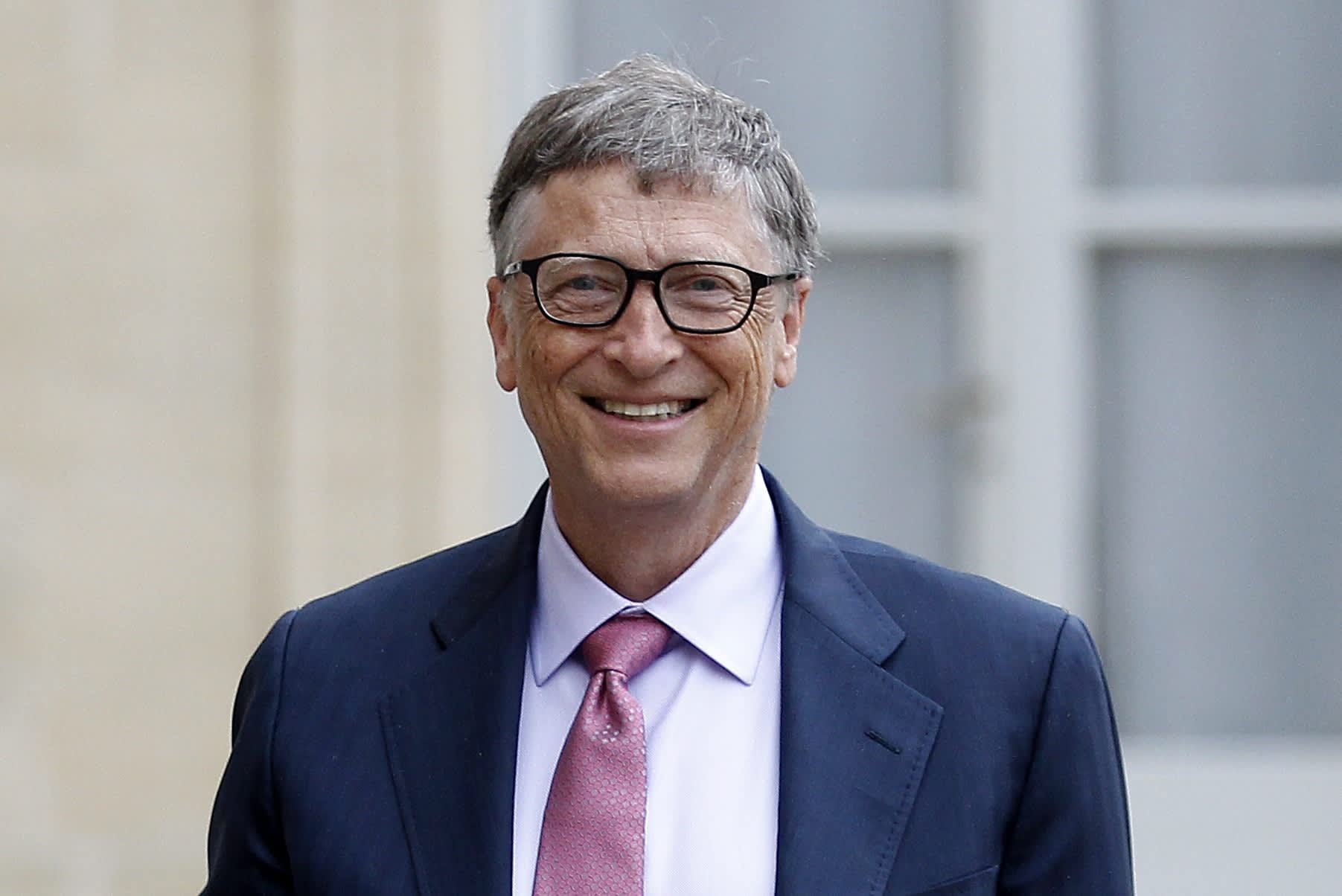 Bill Gates: Job-stealing robots should pay income taxes