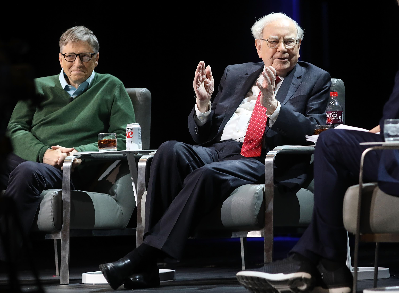 befektet-e Warren Buffett bitcoinokba hogyan lehet pénzt keresni a hírekkel