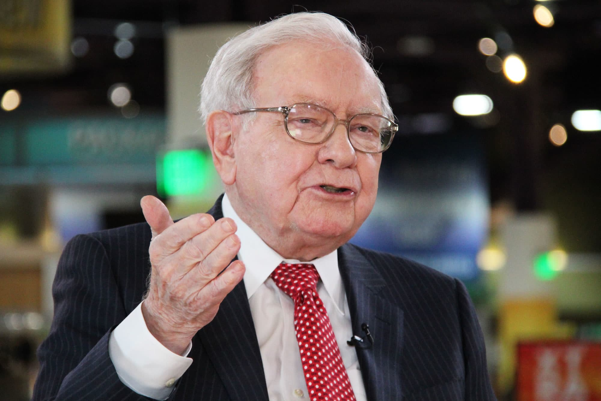 Here S Why Warren Buffett Thinks You Should Buy A Home
