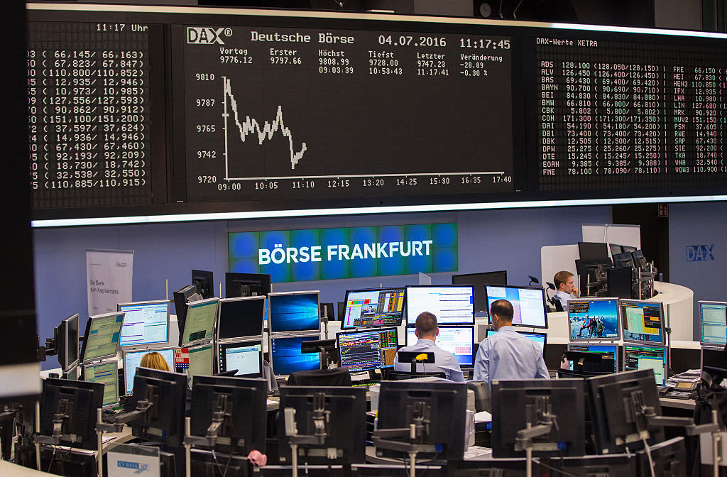 European stocks move lower as traders monitor earnings, trade and an election push in the UK