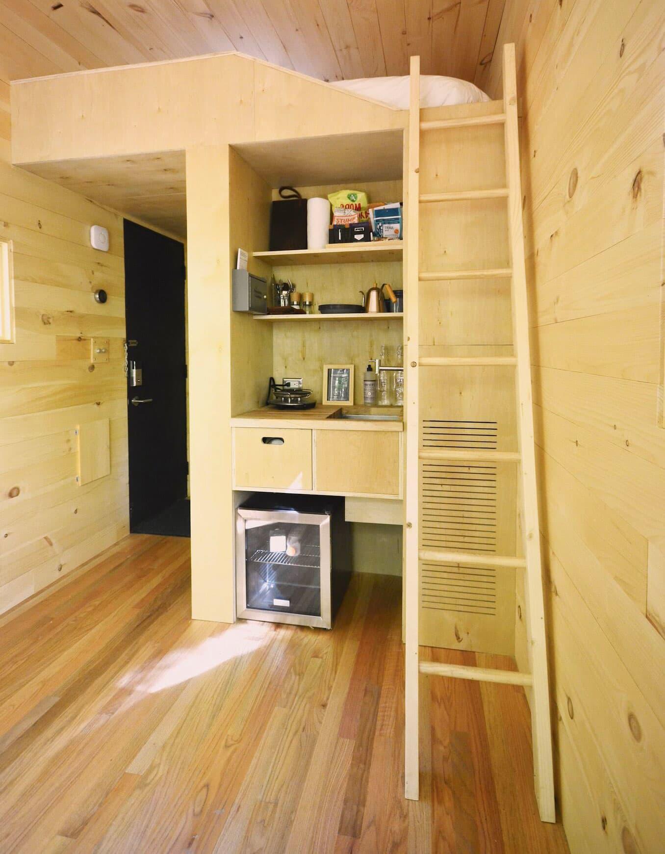 Handout: Getaway Mini interior with steps