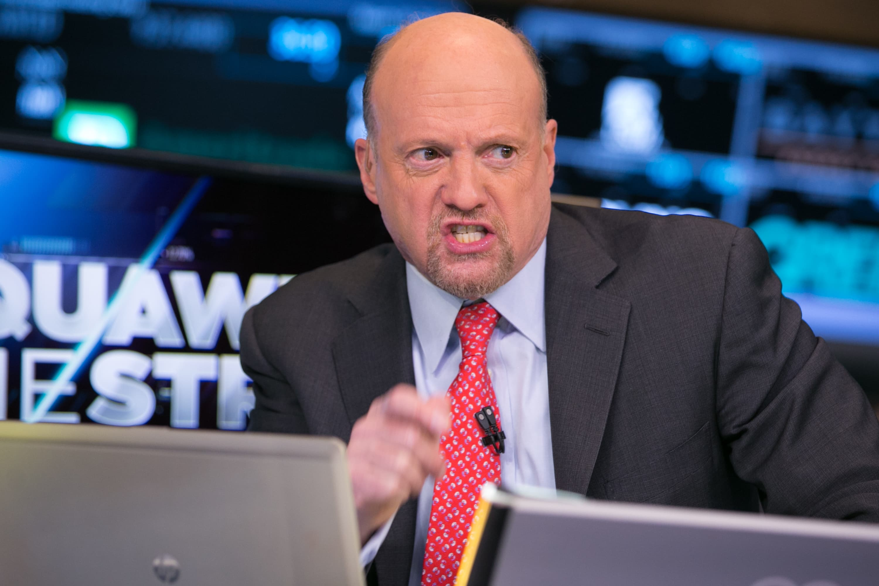 'You're being faked out' — Cramer says the US economy is better than the stock market reflects