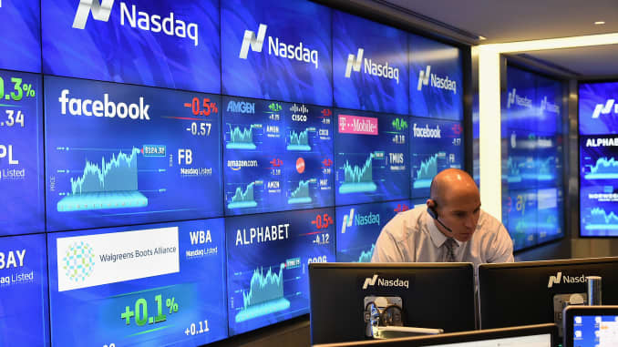 Millionaire view of tech sector stocks dropped right before