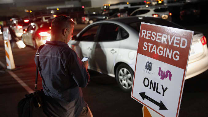 Business travelers increasingly prefer ride-hailing services