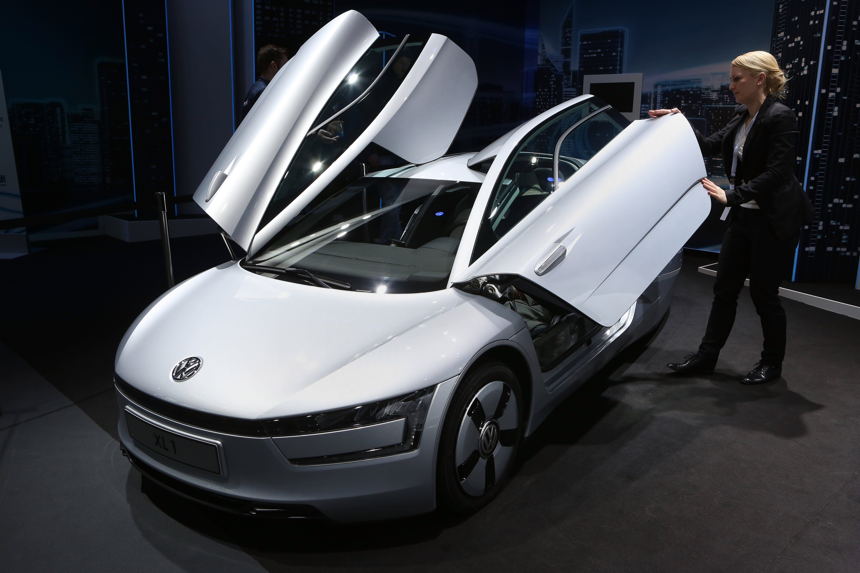 VW, China Spearhead $300 Billion Global Drive To Electrify