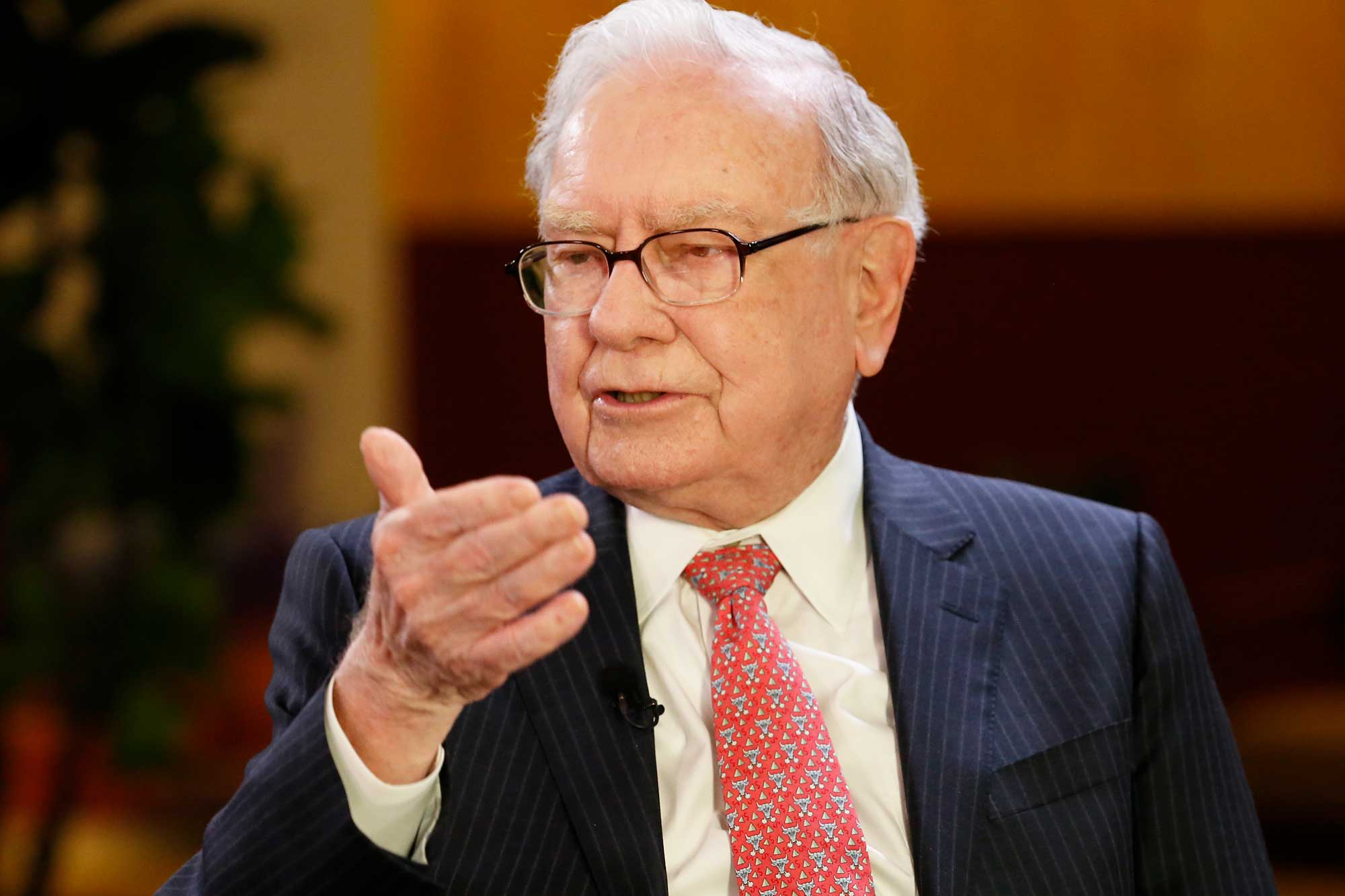 Warren Buffett heads into Berkshire's big weekend with stock underperforming over long term