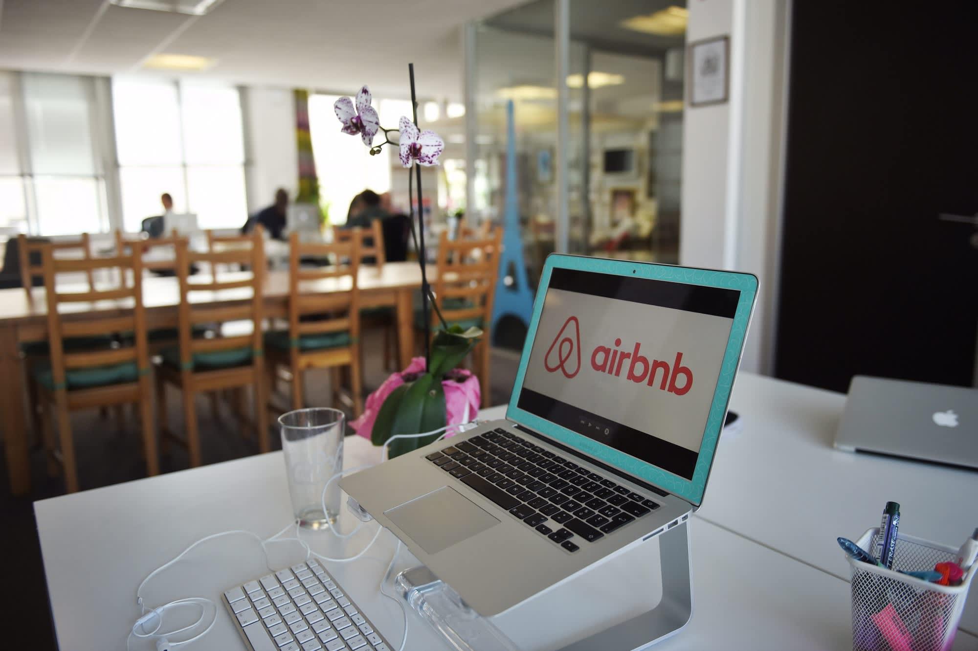 Premium: Airbnb logo france