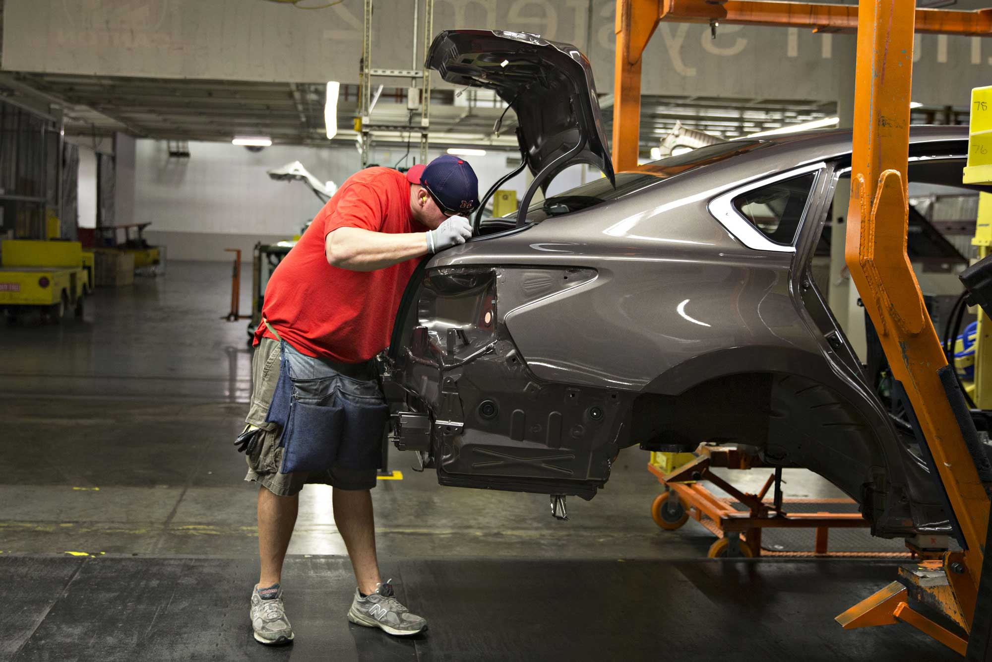 nissan to cut north american output by 20% to shore up us