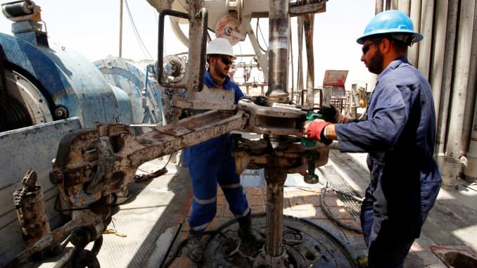 Oil: Iraq bumps up the date for awarding new contracts to
