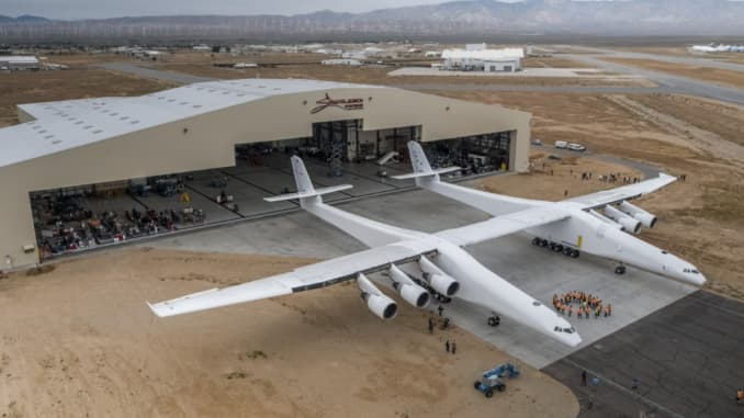 Stratolaunch first flight: World's biggest airplane, built