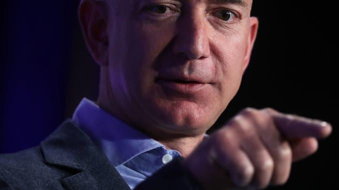 ab19fa7d7217 Who are Amazon's top executives