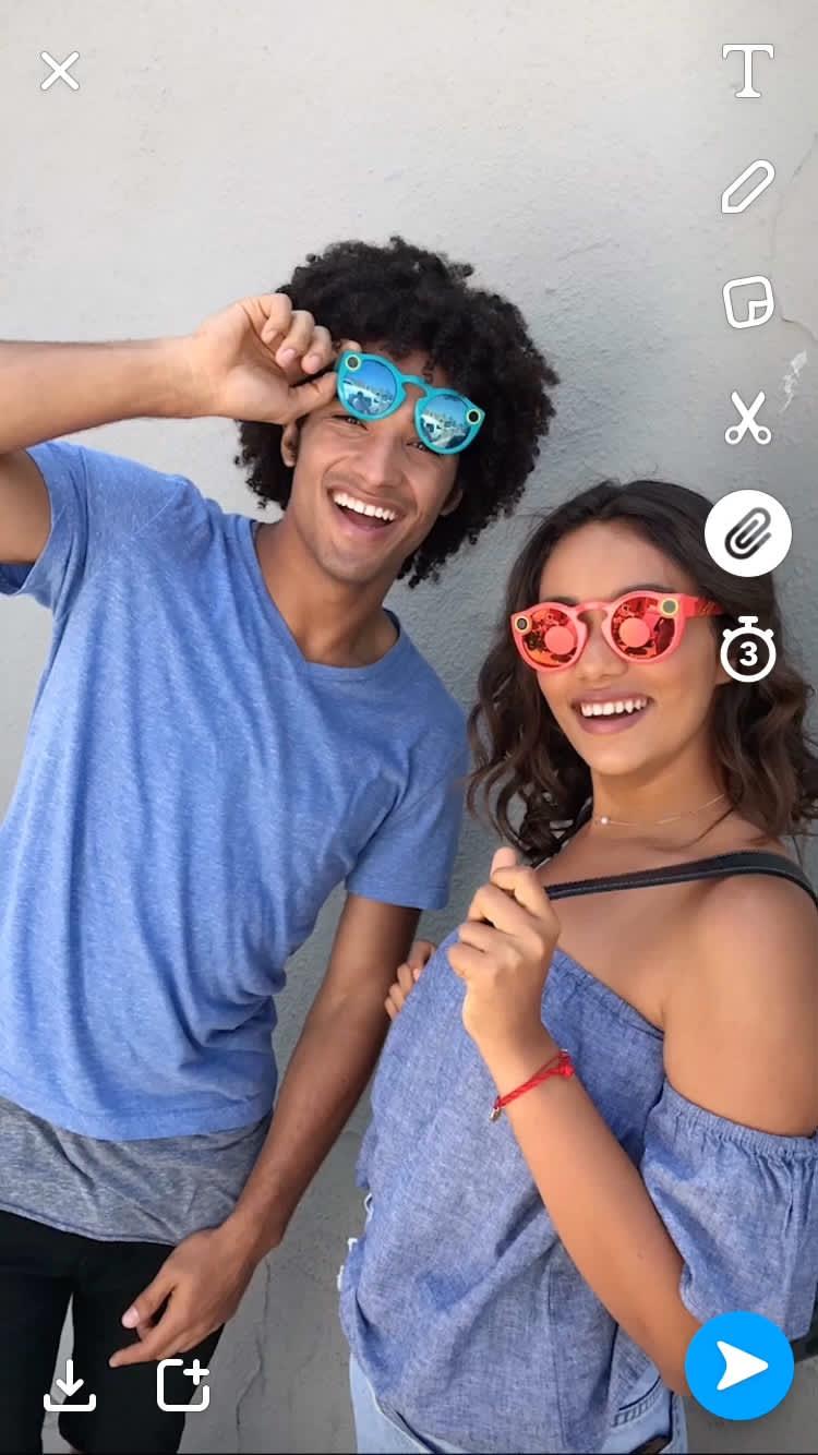 HANDOUT Snapchat paperclip 170507 EC