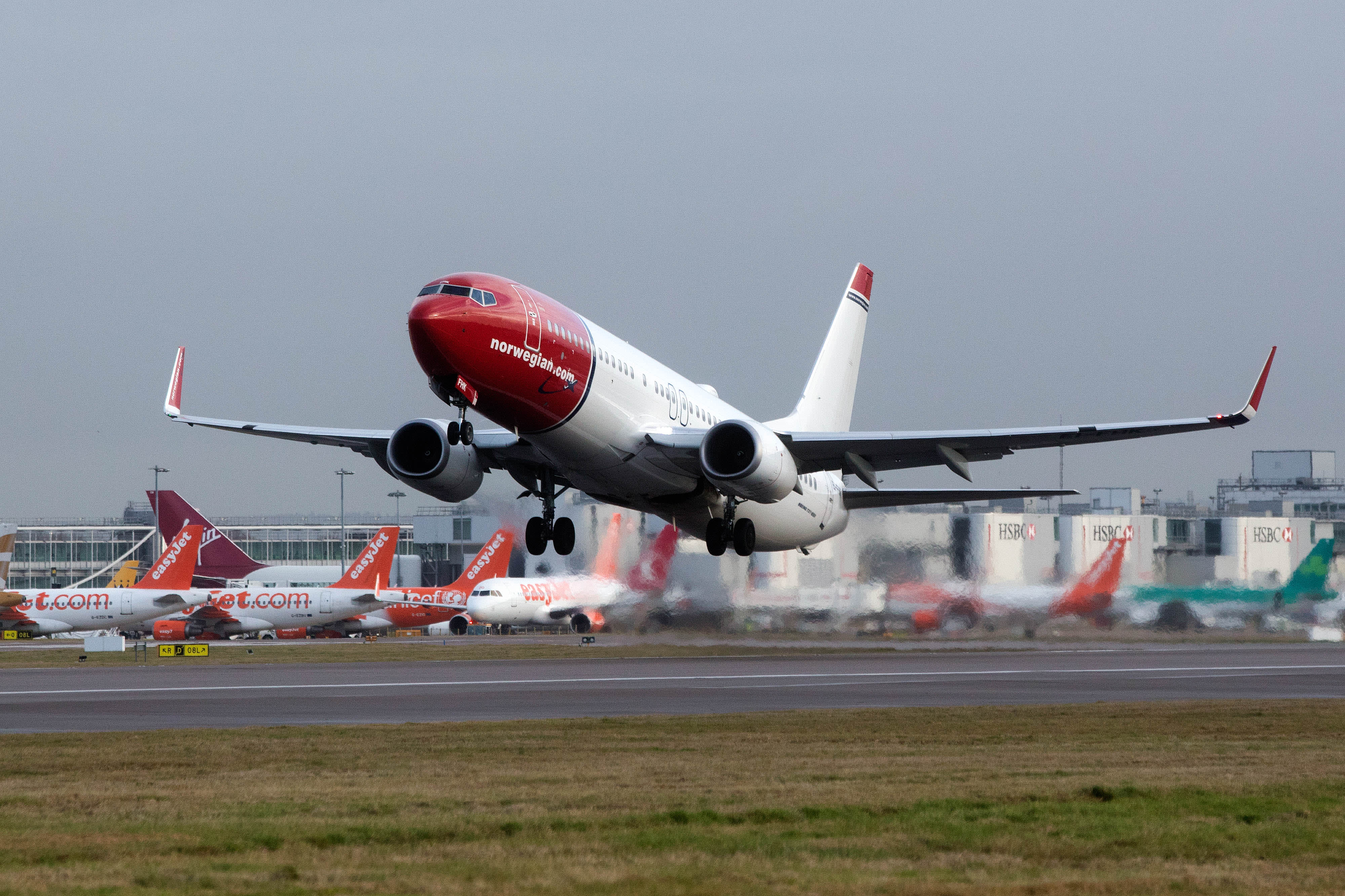 Norwegian Air CEO steps down, sees 737 MAX flying in Oct