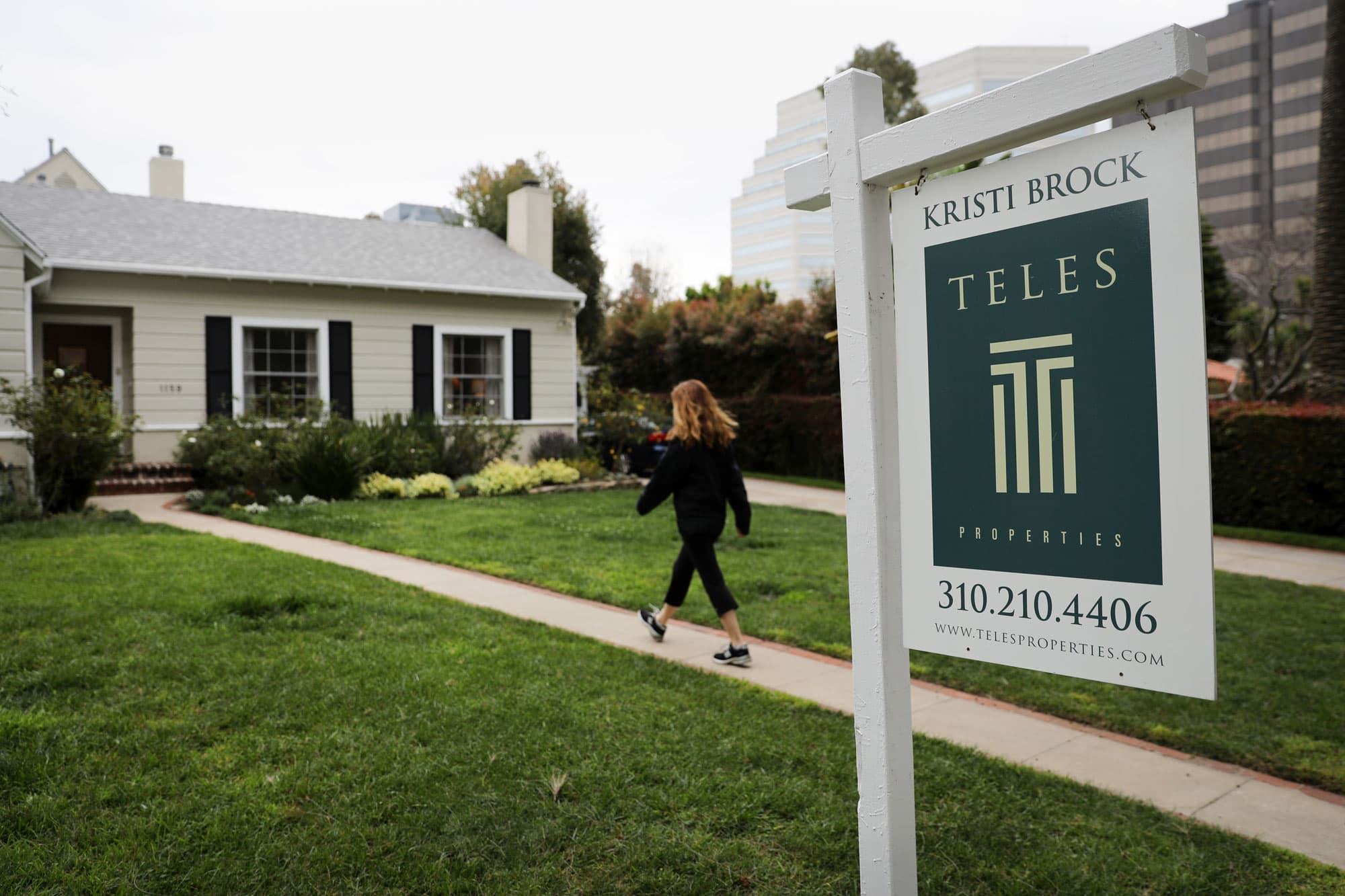 Lowest mortgage rates in a year and a half don't impress homebuyers
