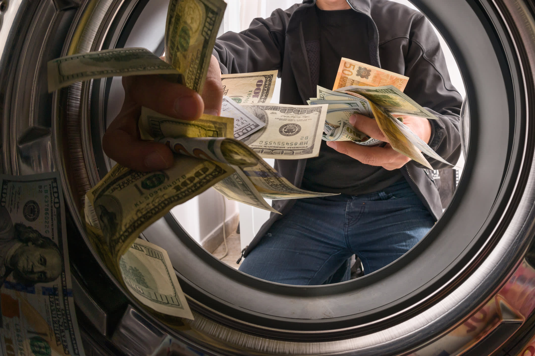 Don't fall prey to these 3 common money laundering scams  image