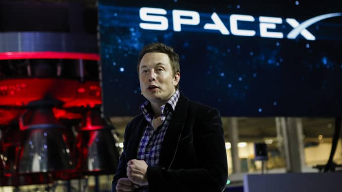 Elon Musk says he has no intention 'to merge SpaceX and Tesla'