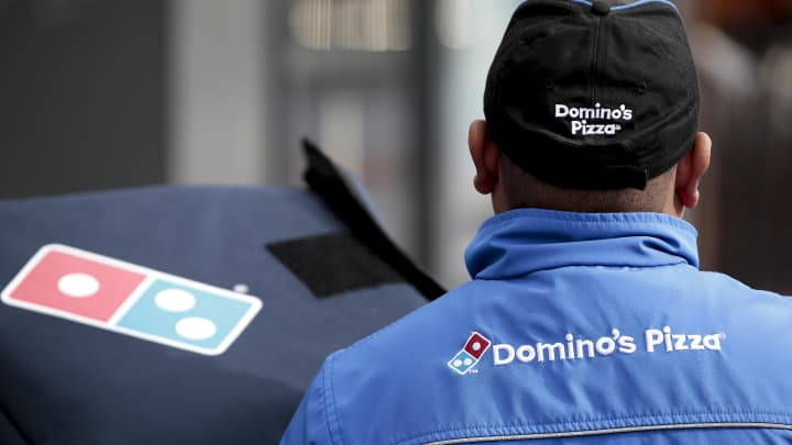 Domino's stock sinks on disappointing sales, fanning doubts about expansion strategy