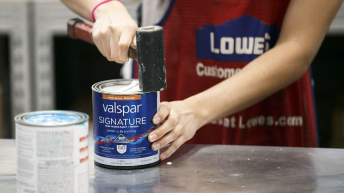 Lowe S Deepens Its Partnership With Sherwin Williams In