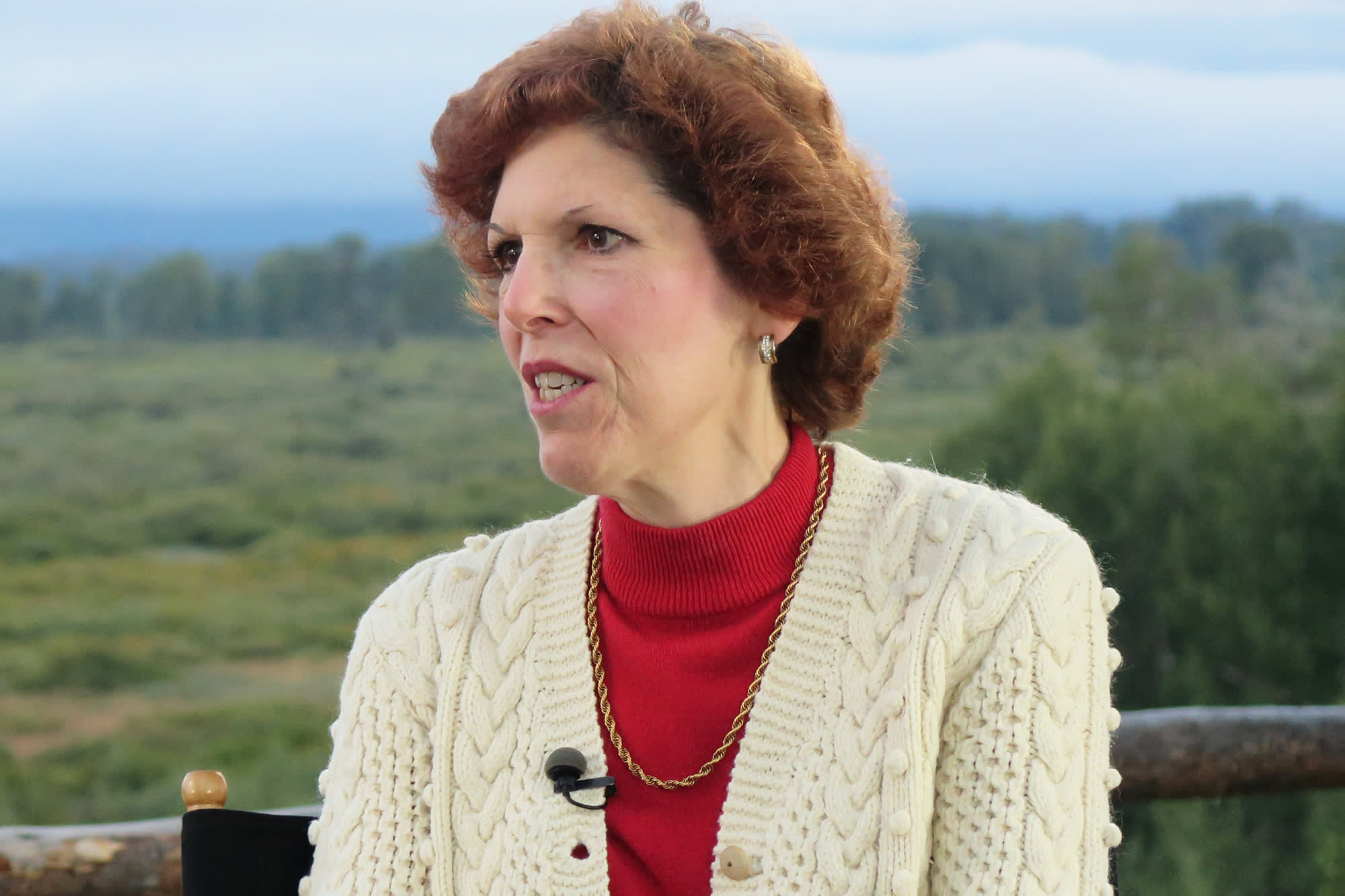 Fed's Mester calls for changes in how rate decisions are communicated