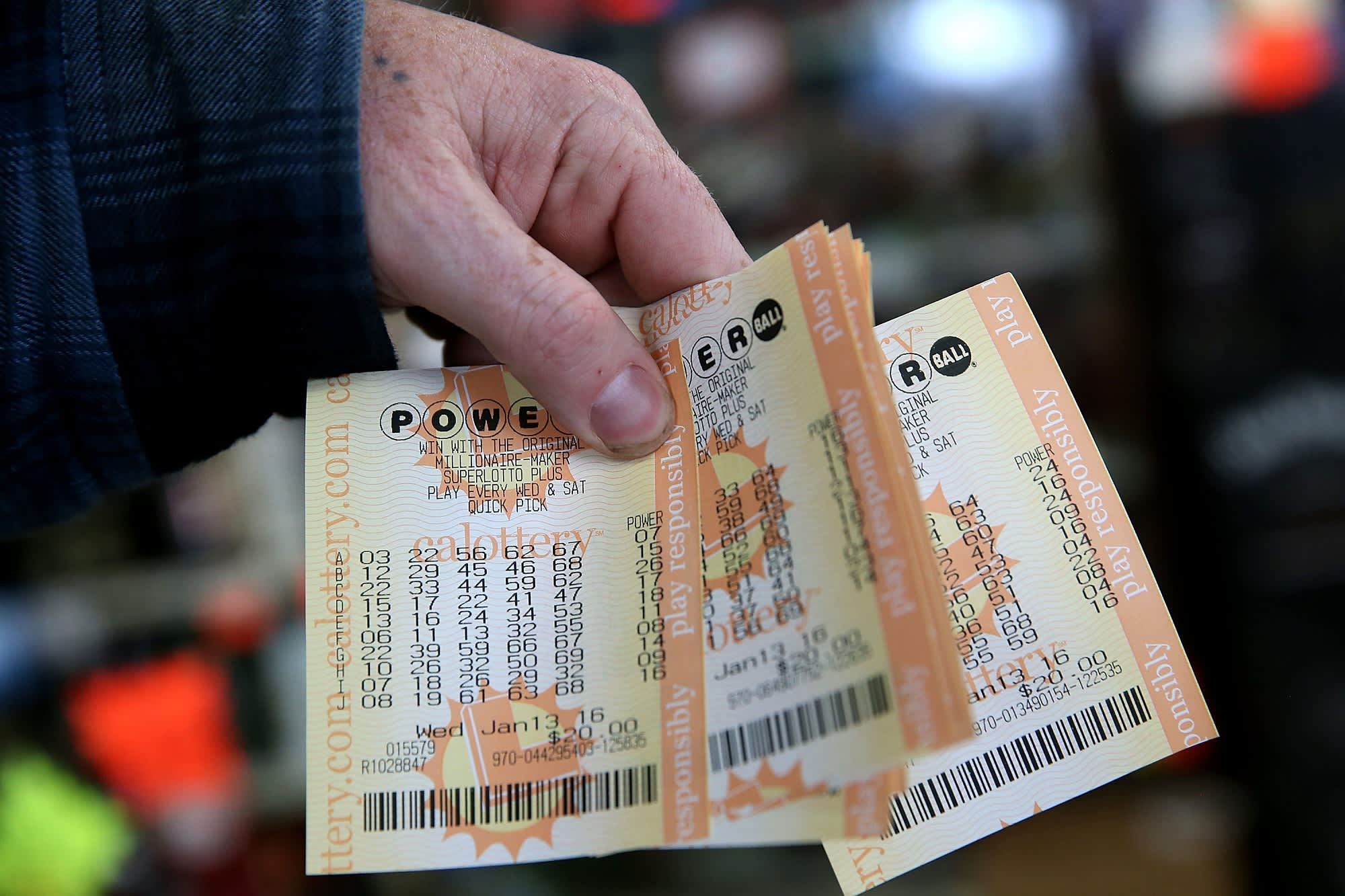 Two winners nab $687 8 million Powerball jackpot  Here's the