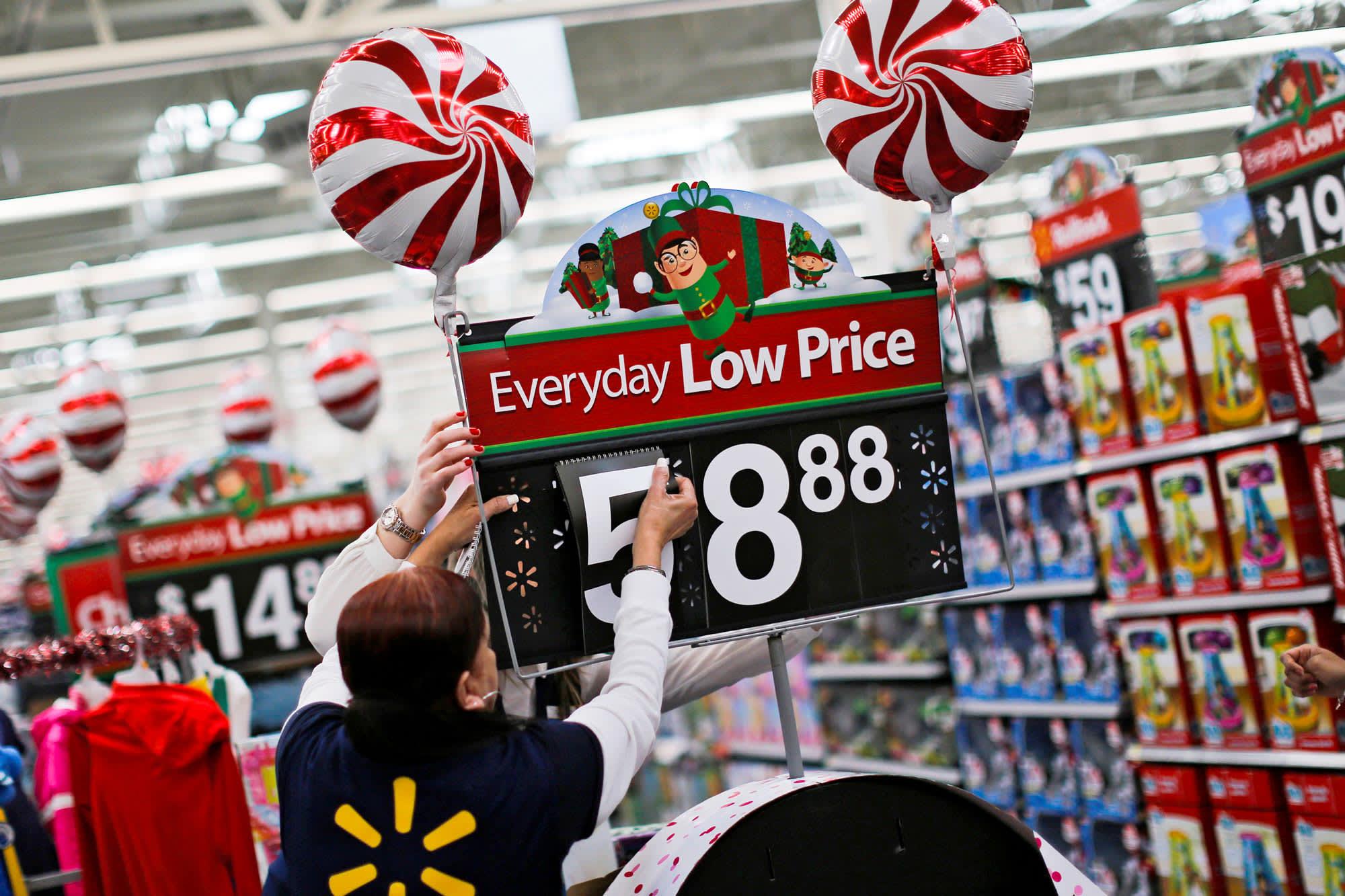Amazon's minimum wage hike puts pressure on Walmart, Target to follow