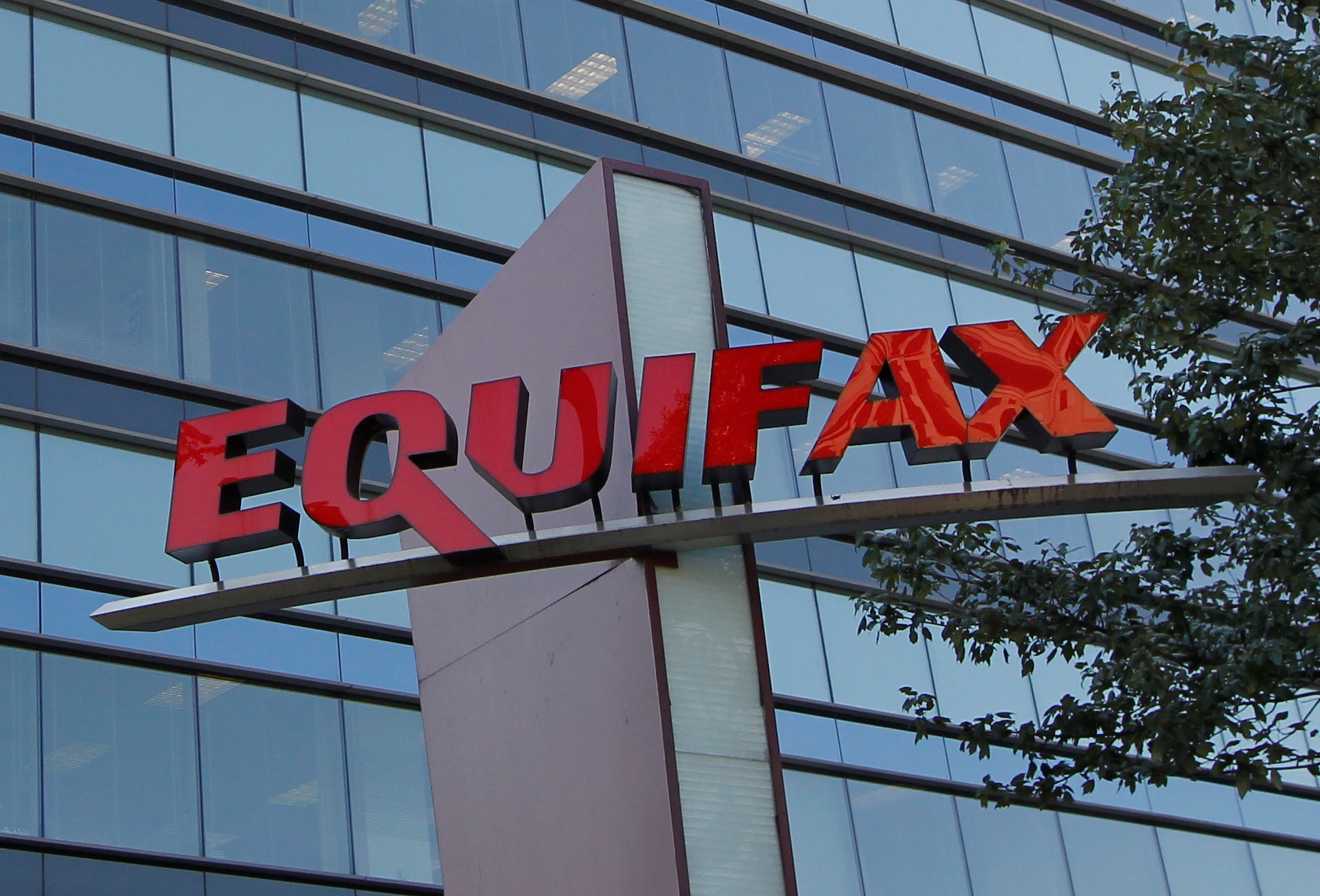 Equifax adds extra step to claim $125 damage award