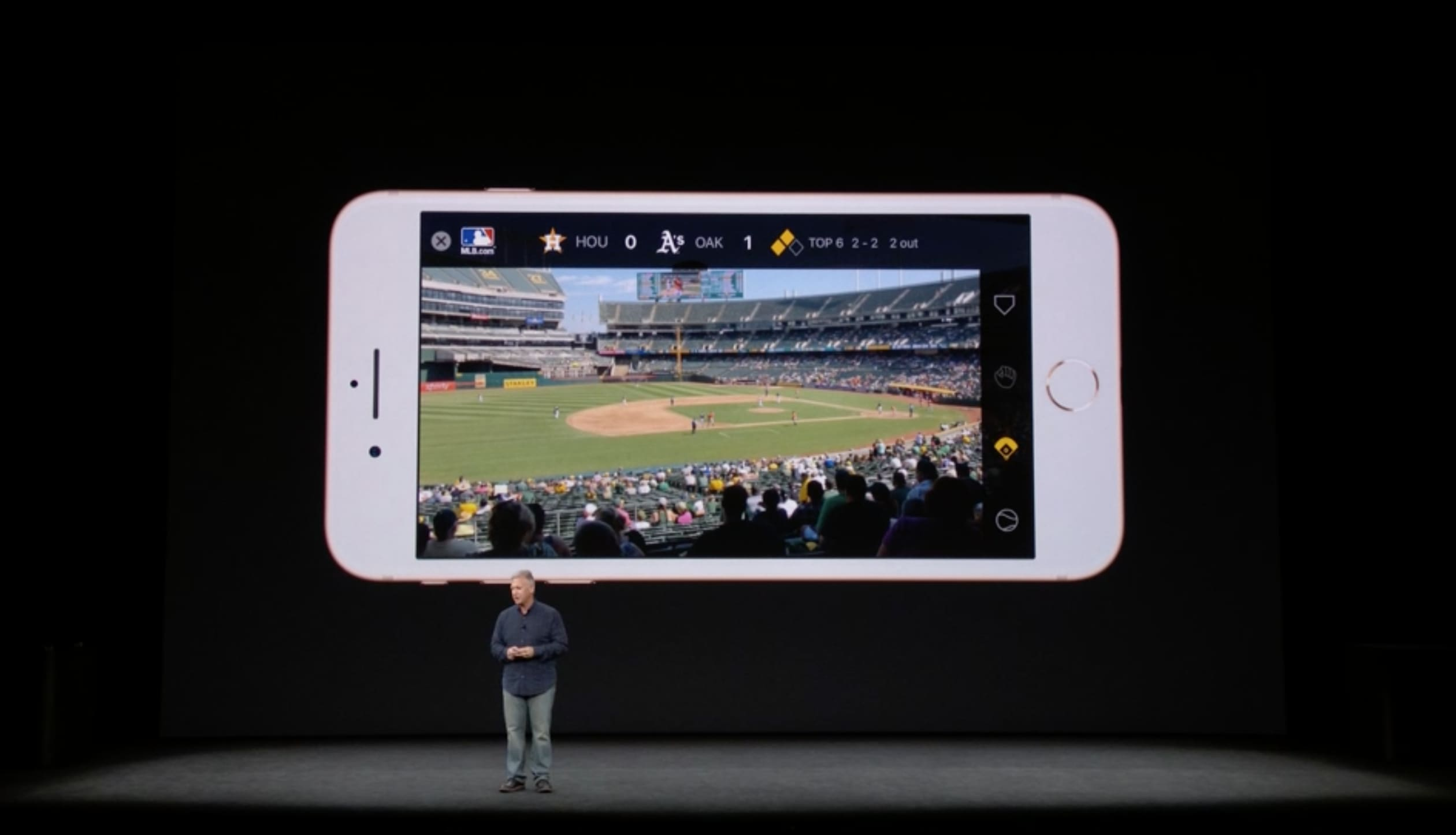Watch Apple demonstrate the new iPhone 8's augmented reality features