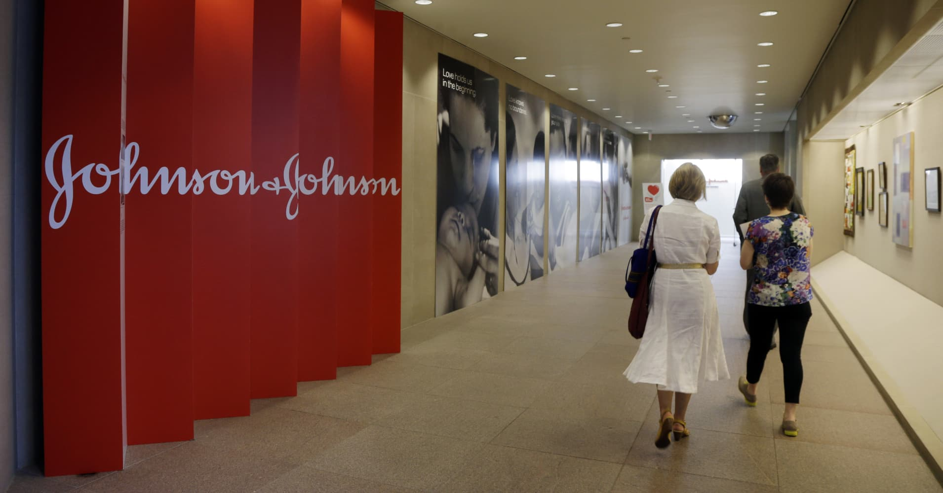 Johnson & Johnson opioid ruling is a positive for shareholders, analyst says