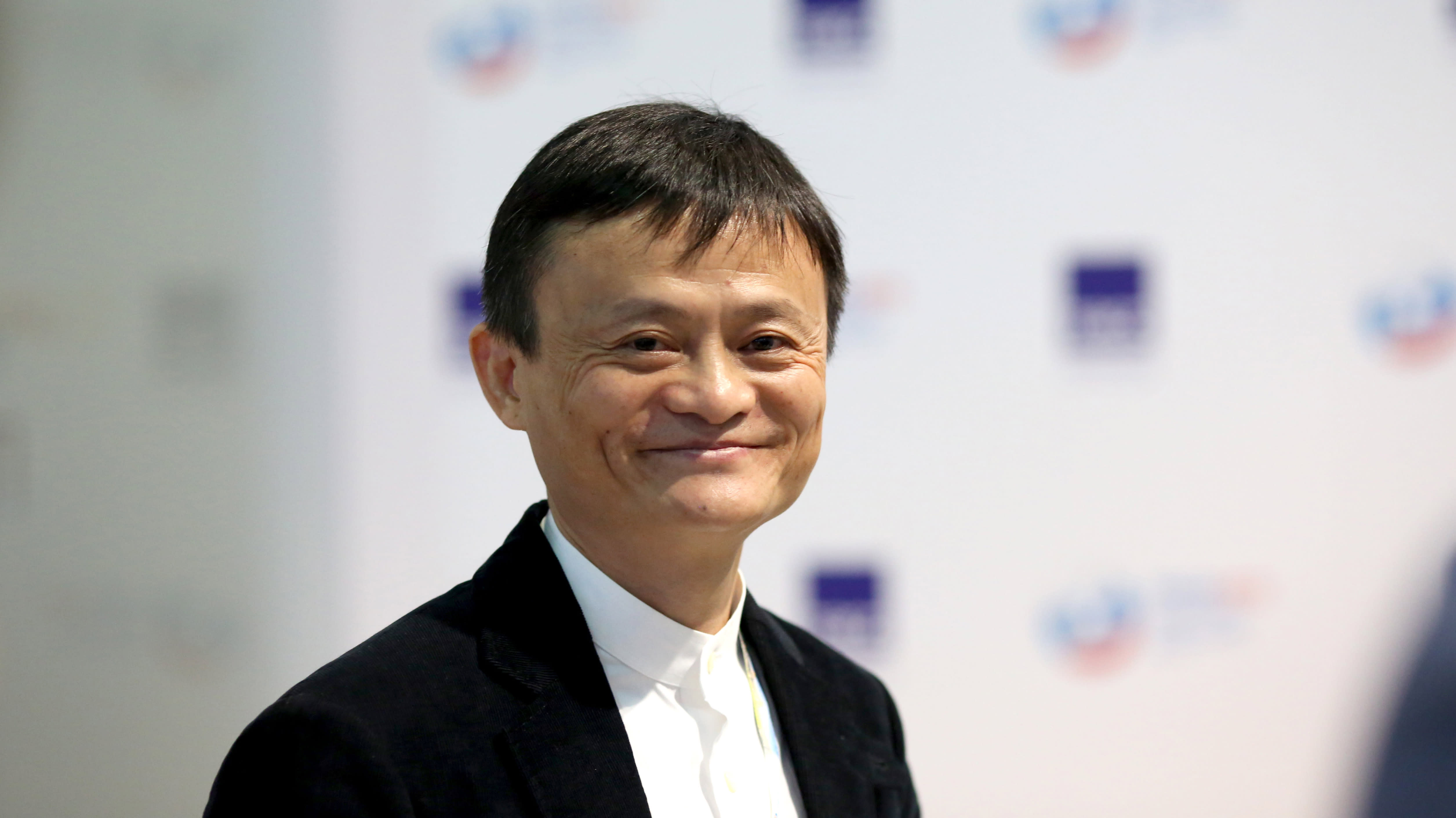 Jack Ma explains how entrepreneurs should deal with rejection
