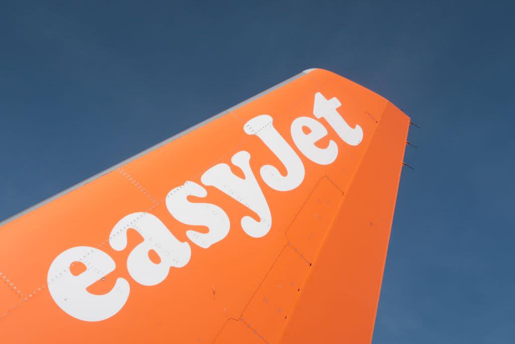 EasyJet quarterly revenues slump 88% on pandemic restrictions