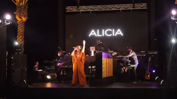 CNBC: Alicia Keys performs at Porsche Design Tower launch