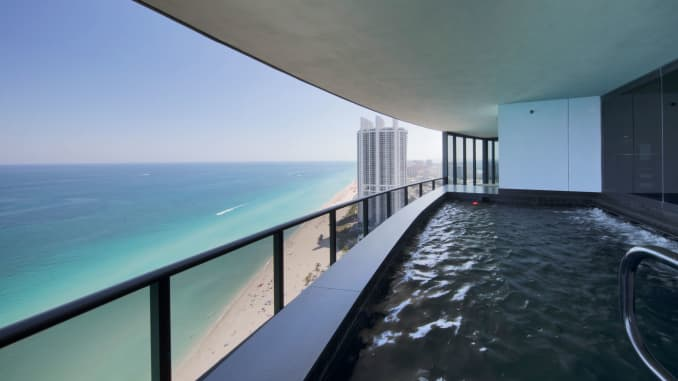 ONE TIME USE: Porsche Design Tower pool