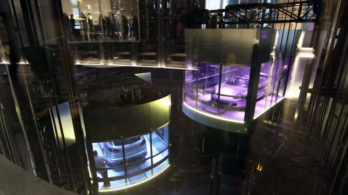 CNBC: Porsche Design Tower Dezervators2