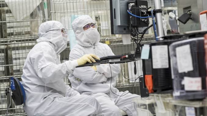 Applied Materials downgraded over chipmaking equipment growth