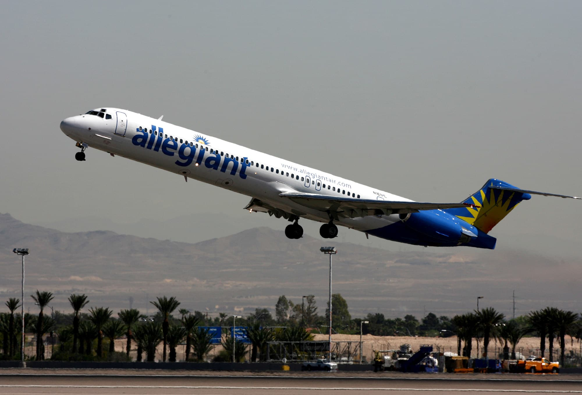 Allegiant Travel shares tumble after '60 Minutes' questions