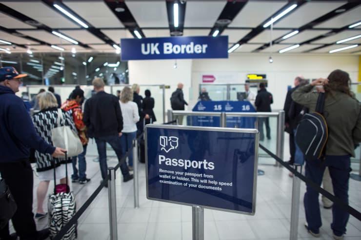 Subs: Gatwick Airport passport check 140528