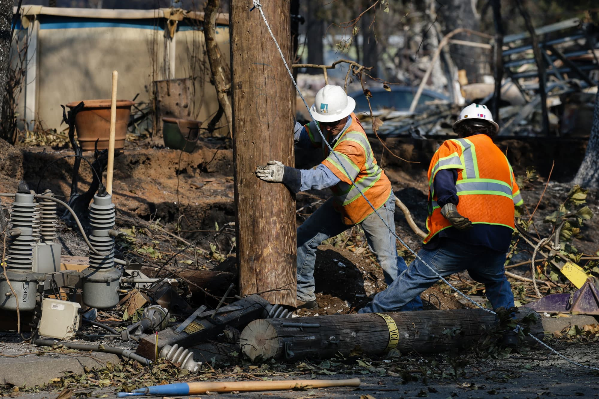 'There are lives at stake': PG&E criticized over blackouts to prevent California wildfires