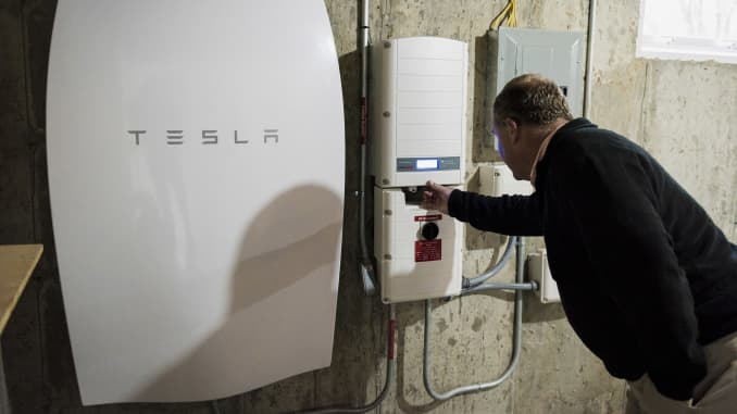 Tesla Home Battery >> Home Battery Makers Get A Boost After Hurricane Maria