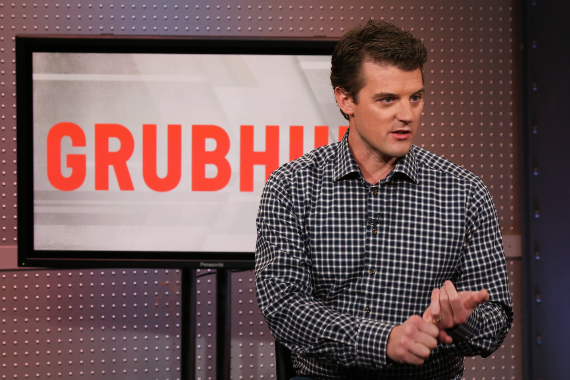 GrubHub sinks as it loses share to UberEats and DoorDash
