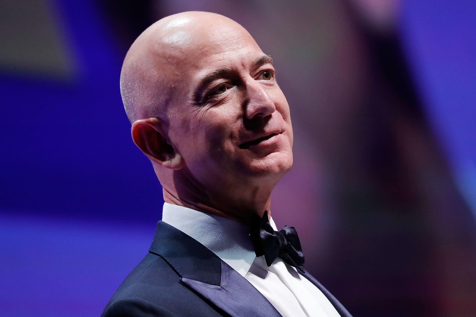 Billionaire Jeff Bezos on the 2 greatest life lessons he ...