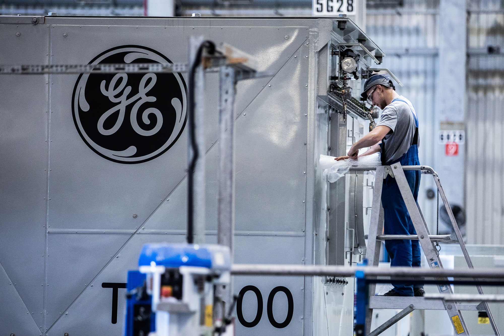 Companies like GE that tout their dividend is a red flag
